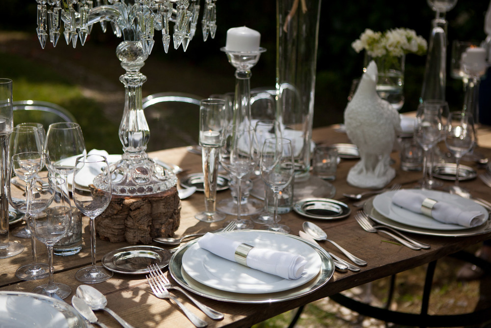 Wooden and glass details for decor by The Wedding Portugal.jpg