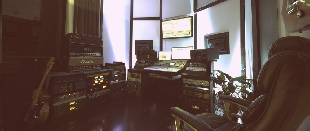 D'Herde East Edit Suite