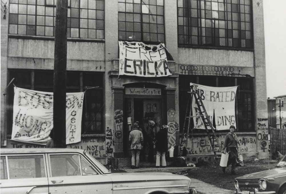 Image of the occupation of 888 Mass Ave, a protest demanding that Harvard provide funding to open a women's center. 1971.