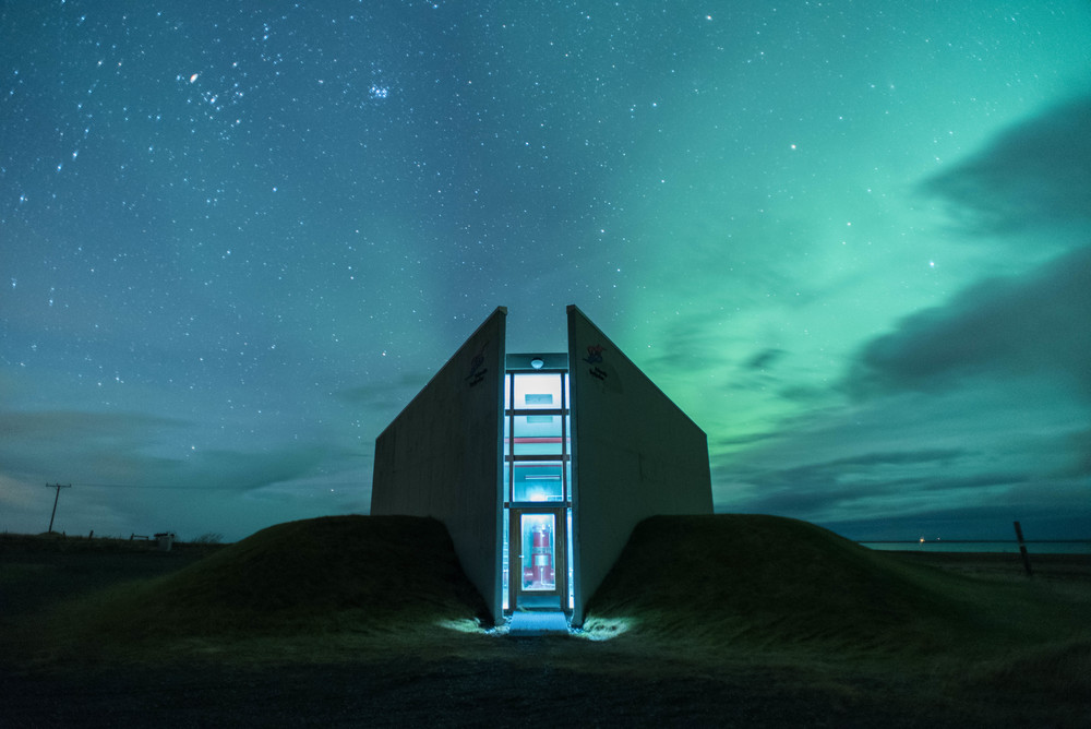 Spaceship aurora: Geothermal boreholes