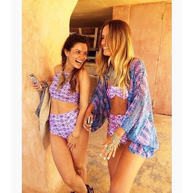 Cutie patooties @becka_indigo & @annasmiles86 twinning in their ZOLÀ bikinis 🌸💠🔮