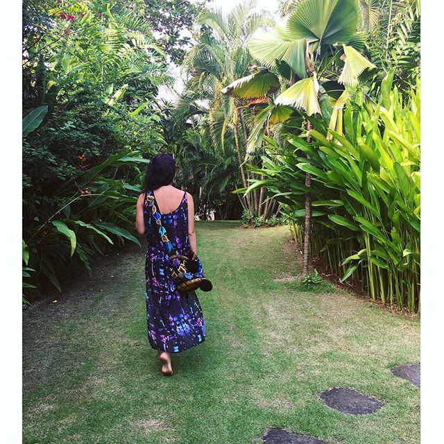 Floating on a Bali cloud in the Black Jewel maxi dress 🌴🌻☁️