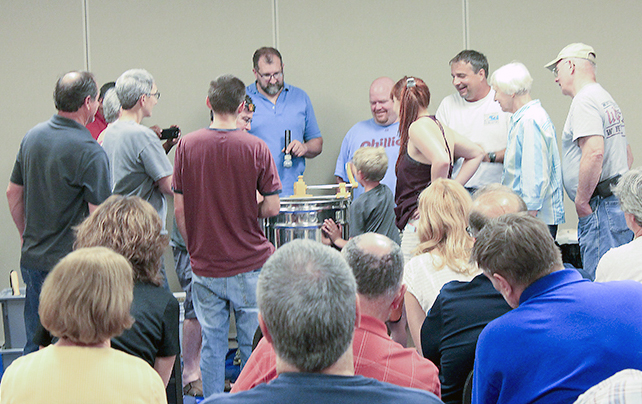 Members get an up-close view of the extractor!