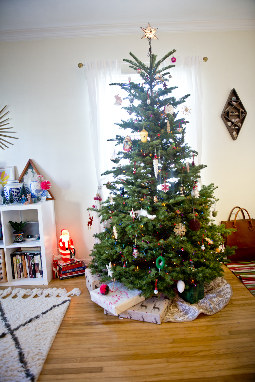 laura-bear-christmas-tree