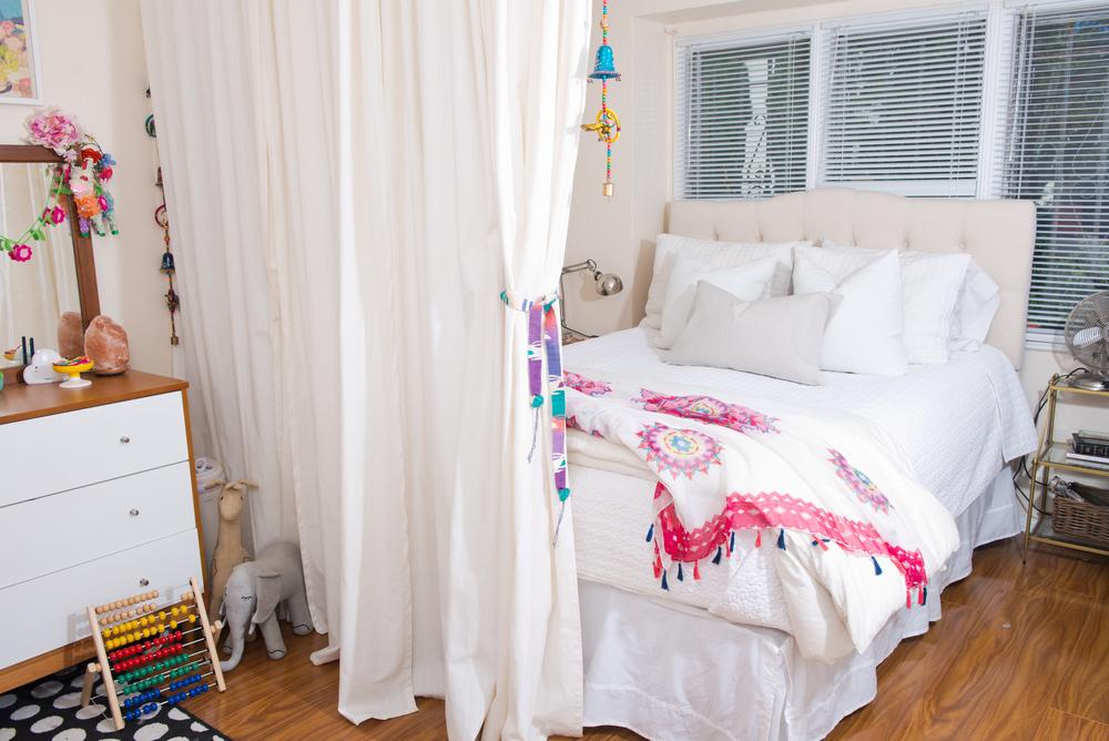 Laura-bear-bedroom-sharing.jpg