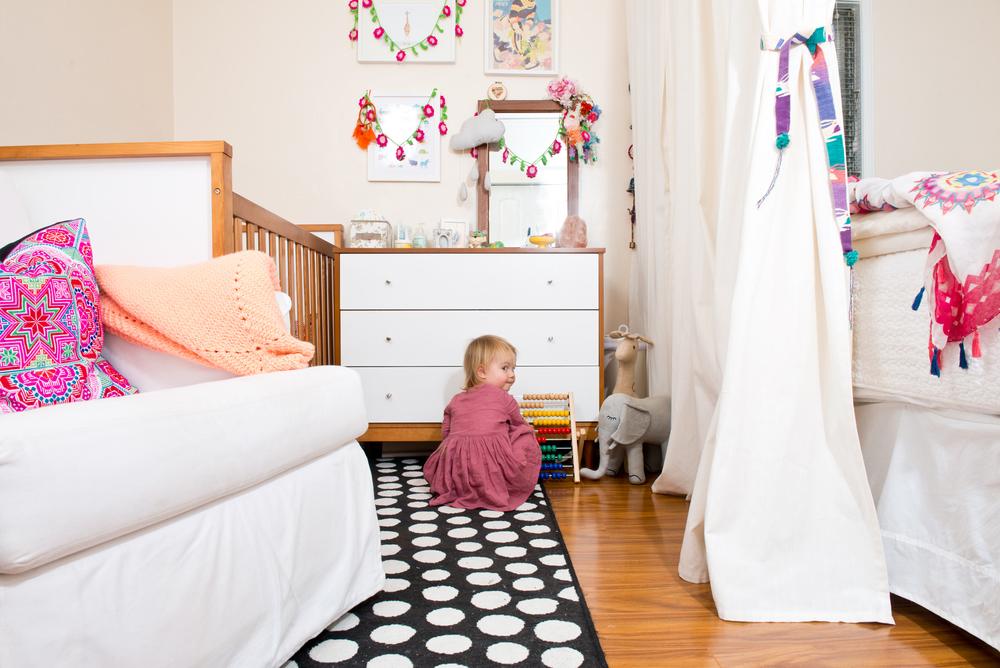 Laura-bear-bedroom-sharing-01.jpg