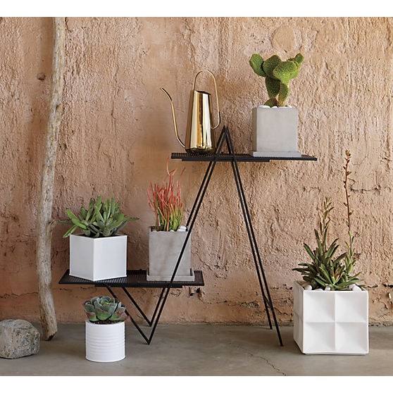angled-plant-stand-1.jpg