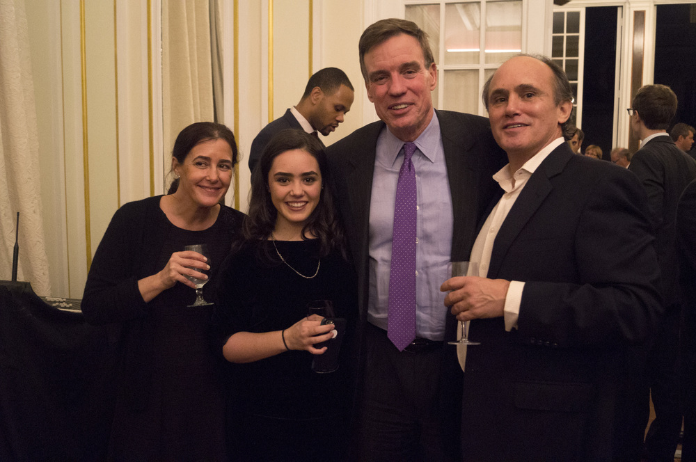 Consuegras, Mark Warner.jpg