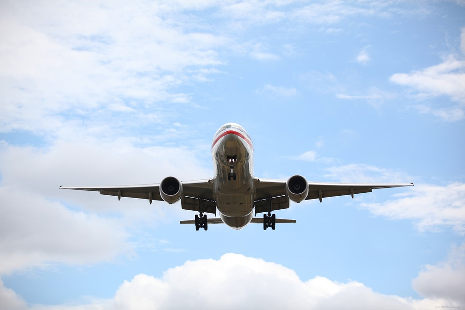 passenger-plane-19469_960_720.jpg
