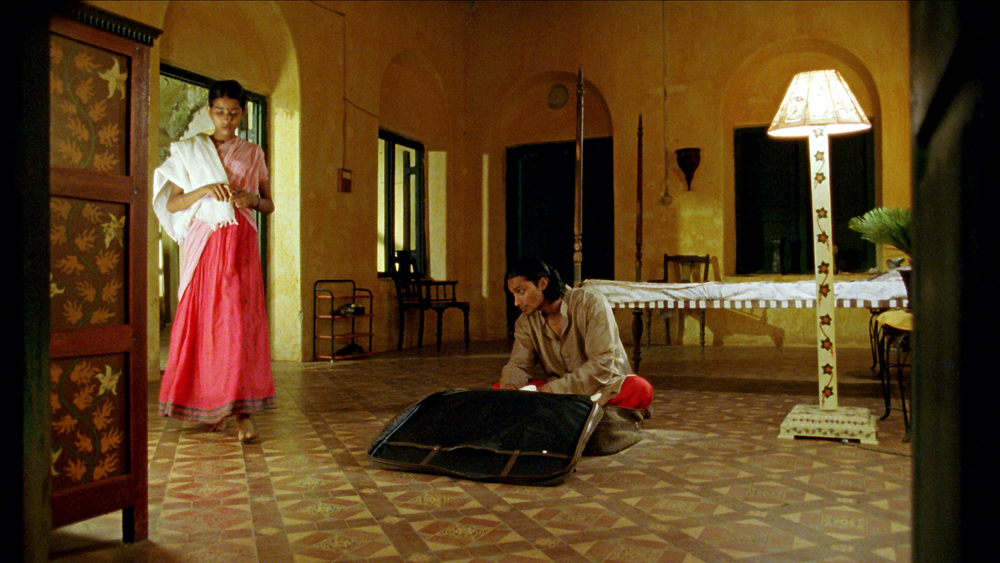 Vanaja pauses on floor.jpg