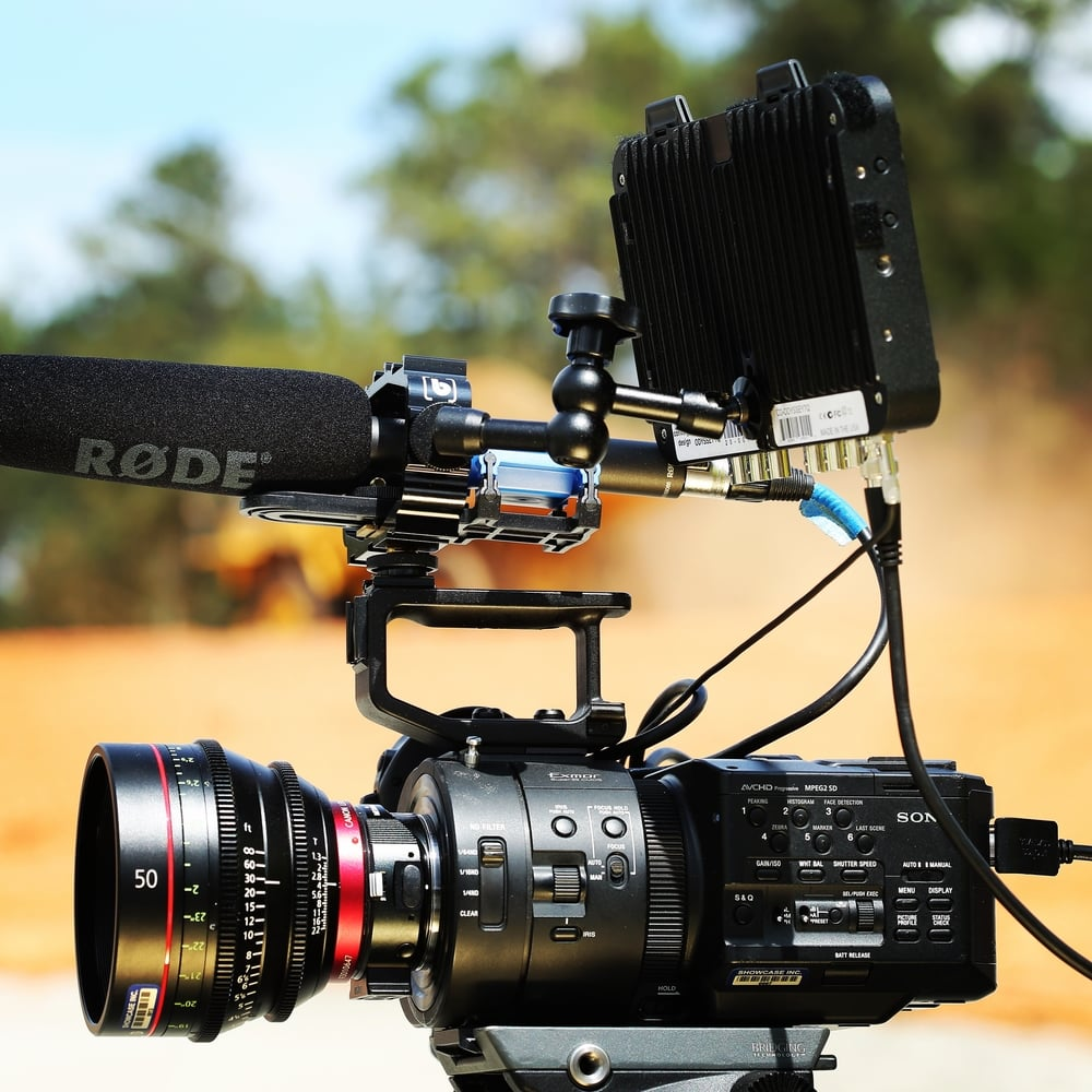 Very cool picture of the FS700, Canon CinePrime 50MM lens, and Oddysey 7Q monitor