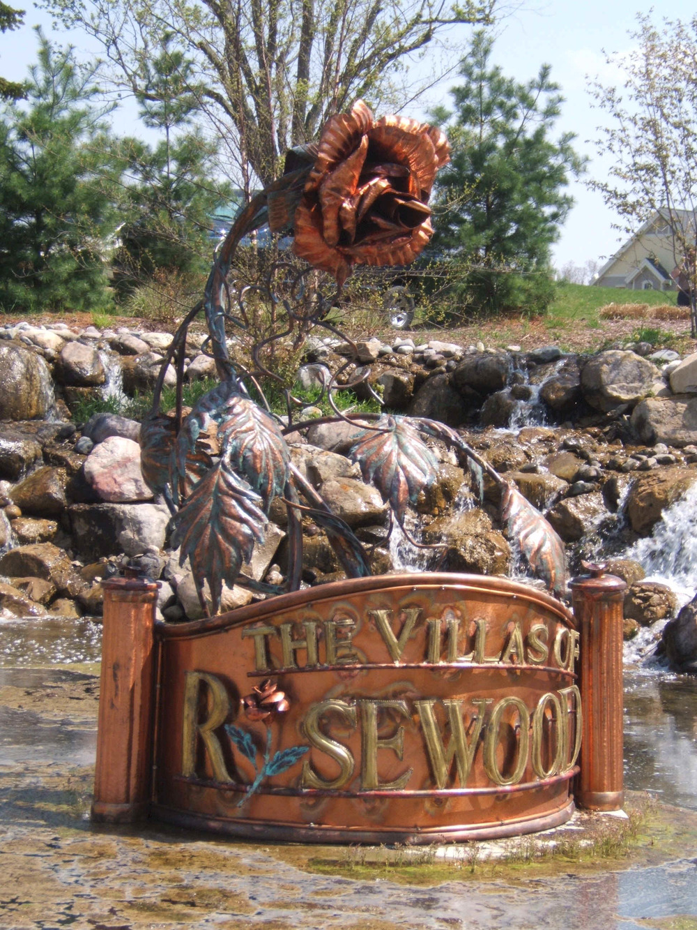 rose_wood_andersons_metal_sculpture.jpg