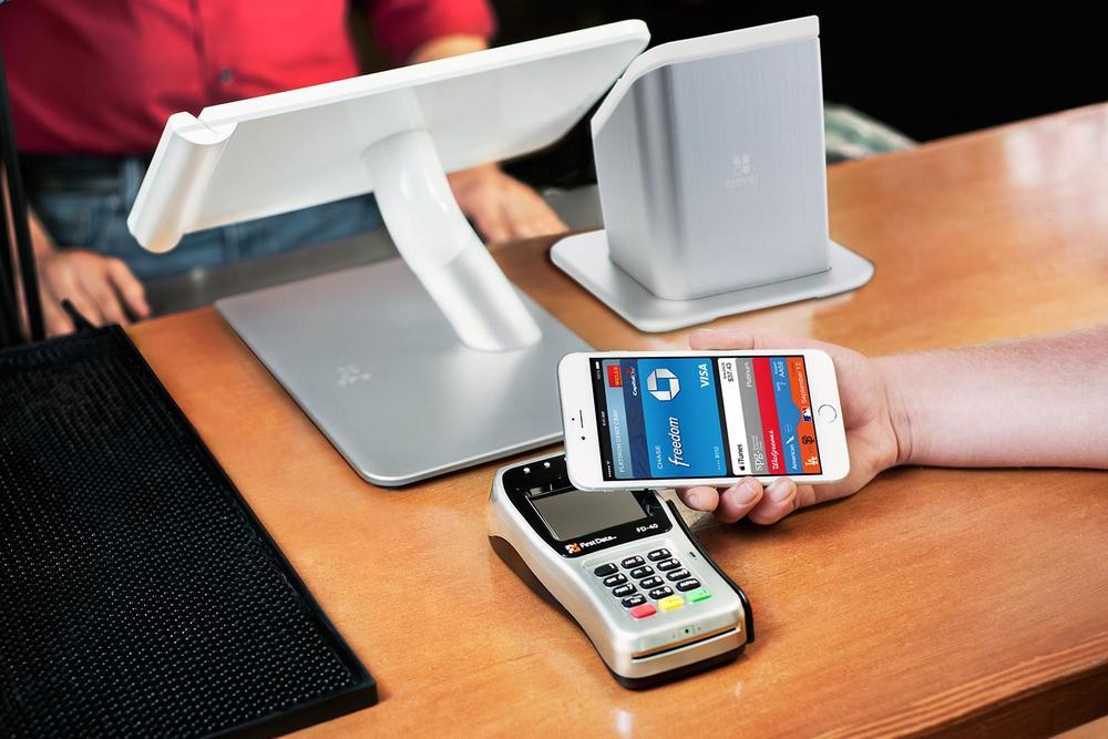apple-pay-clover.jpg