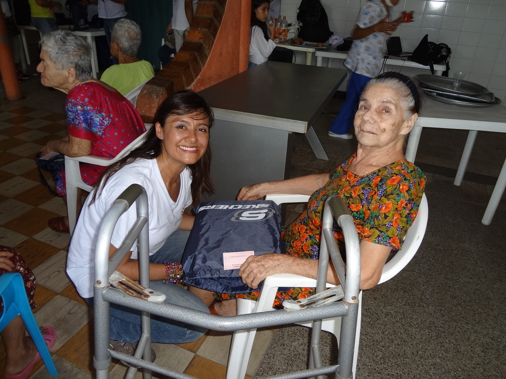 1_Senior_AguaDeDios_Colombia_ExtendingaHand