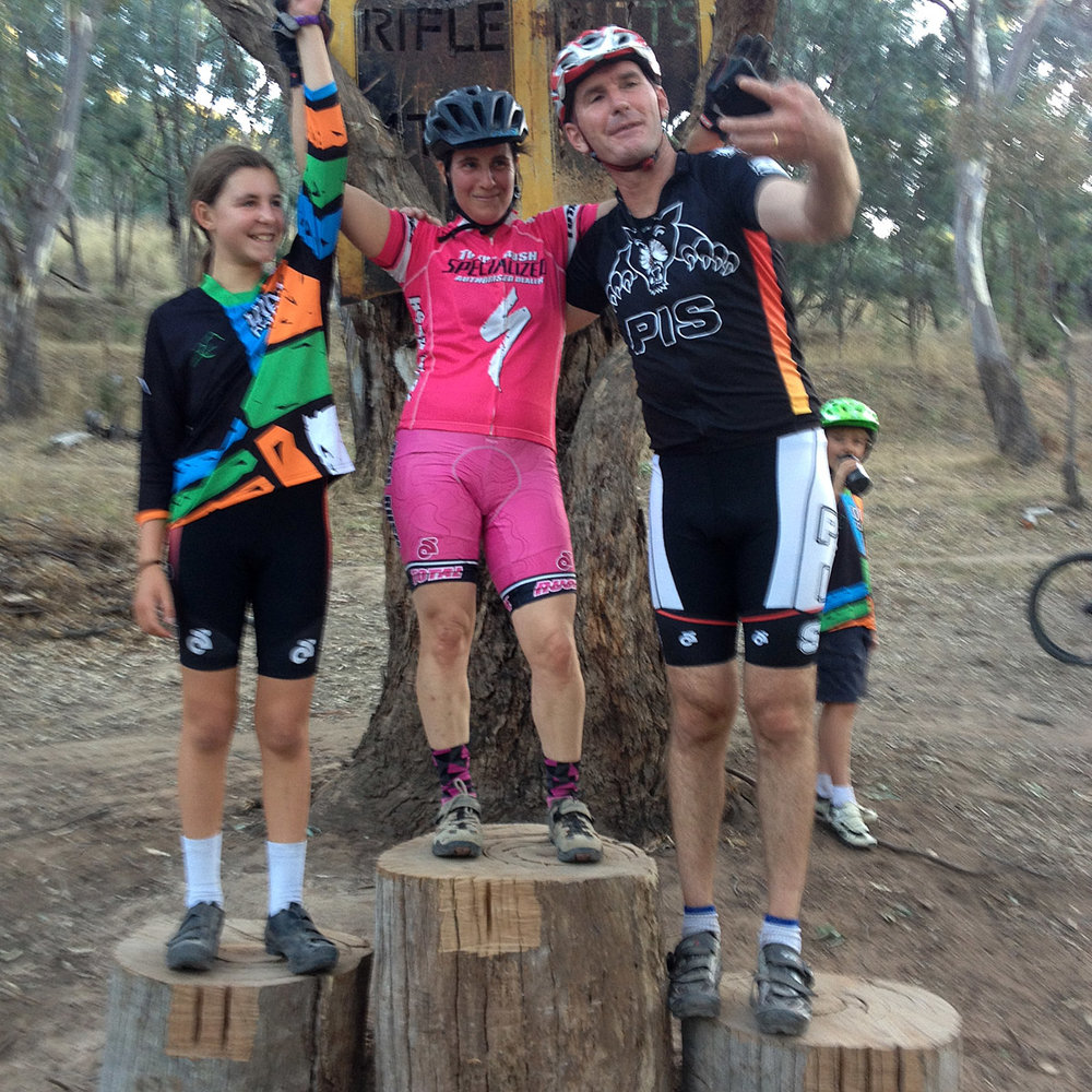 The overall podium: 2. Bella Green; 1. Rachel Grundy; 3. Alex Green (yes, taking a selfie!)