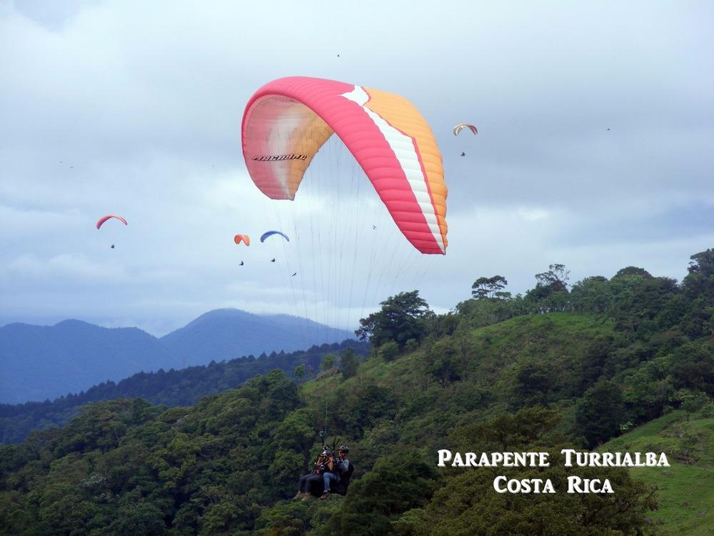 Costa rica paraglid.jpg