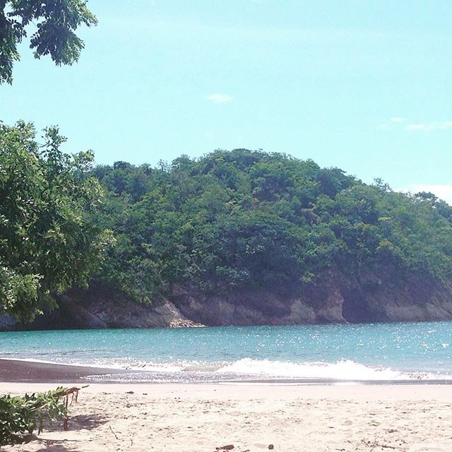 Playa Minas, Guanacaste. Enjoy the summer in CR 🇨🇷www.costaricantrip.com #beach #visitcostarica #summertime #beautiful #traveltocostarica