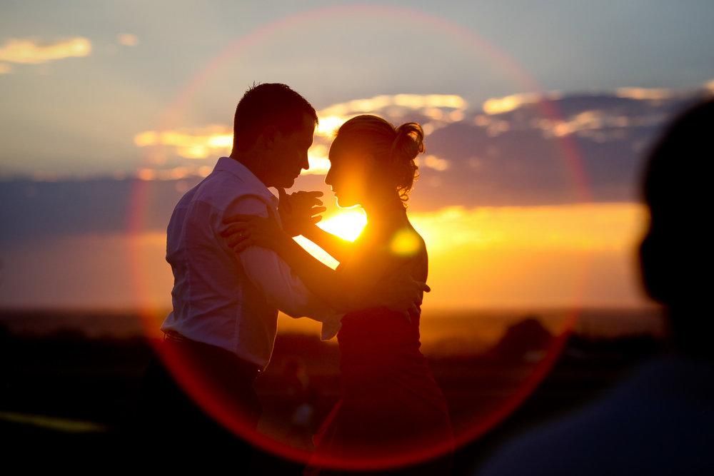 dance-argentine-tango-sunset-.jpg