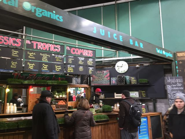 A cool juice bar in Borough Market. I bought a lemon honey tea to warm up.