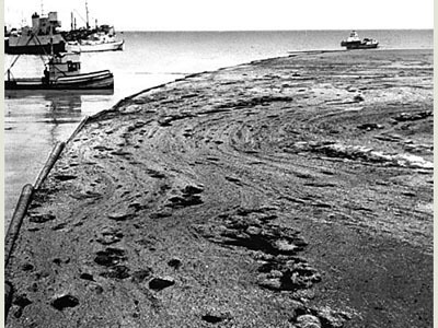 Picture of the 1969 Santa Barbara Oil Spill Courtesy of the Huffington Post
