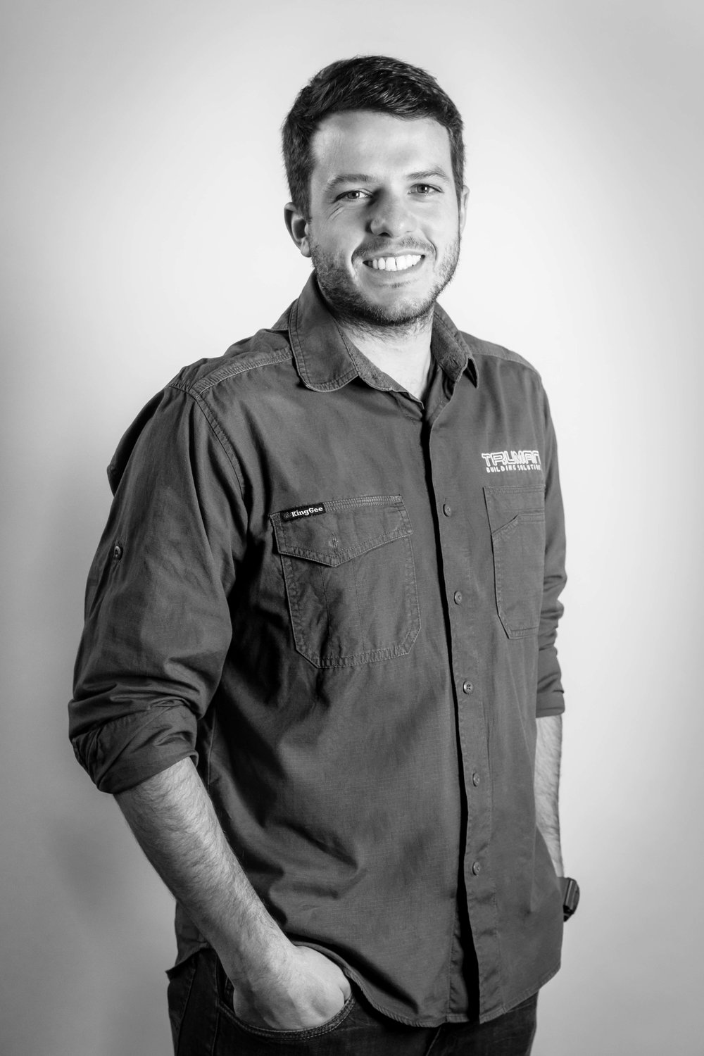 VITOR REINA    Estimator/Contracts Administrator   After completing his Engineering degree in Brazil, Vitor has worked in Sydney for many years on high-end residential projects. He works closely with George on tender submissions, resourcing and supplier management.
