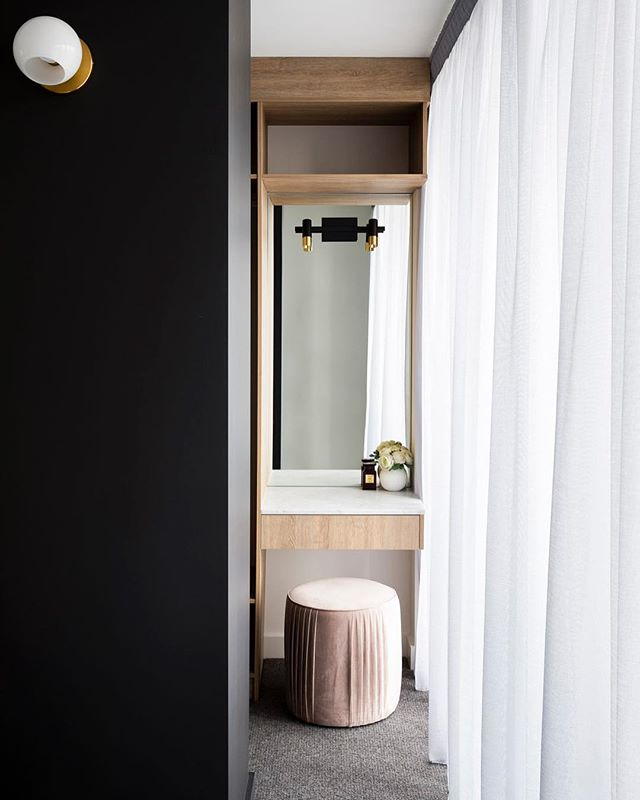 It's amazing what you can achieve in small spaces with great design and planning. Walk in robe and en-suite details at St Peters terraces. We even managed to fit in a make up space for the Mrs (this really got me in the good books 😃). Design and built by #TrumanBuilding Photo by @evmac_archiphotos  Wall pendants from @westelmaus  Tiles from @livingtiles  #terracehouse #residentialarchitecture #australianarchitecture #sydneybuilder #archidaily