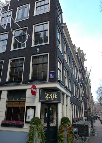 rafes-world-amsterdam-7.jpg