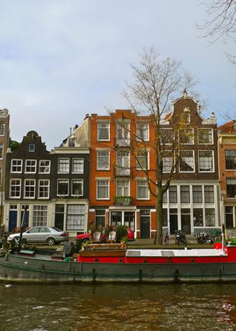 rafes-world-amsterdam-6.jpg
