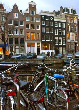 rafes-world-amsterdam-4.jpg
