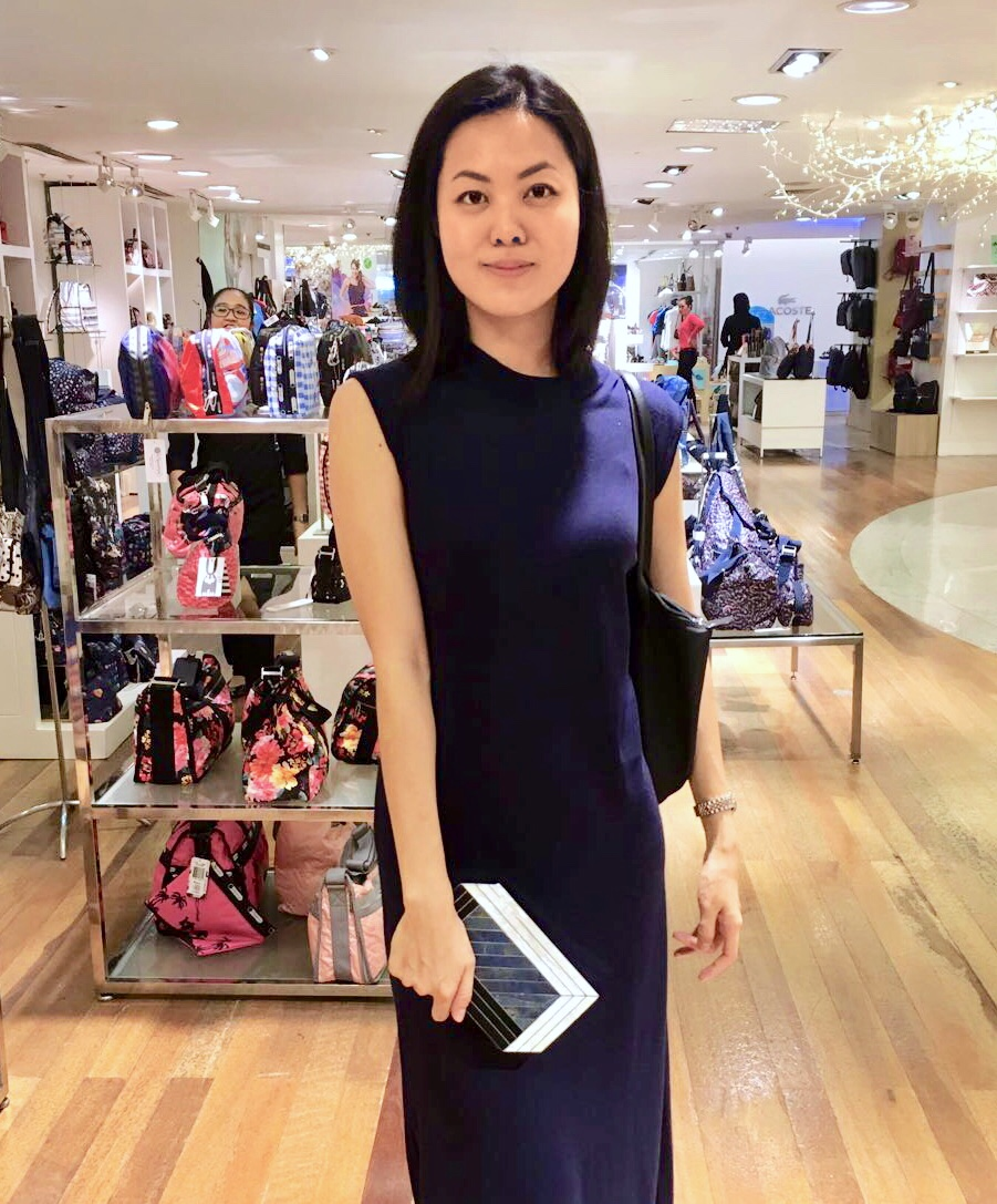 Jill Lao with the Pia Minaudière