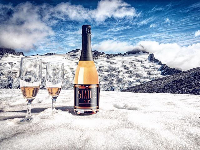 Snow Trip Ready! What's your STATUS? 🥂 • • • • • #SnowDay #VIP #STATUS #WHATSYOURSTATUS #Expansion #Tahoe #laketahoe #southlaketahoe #reno #snowtrip #mountains #snow #winter #vibes #sparklingwine #winelovers #sip #vinyards #cali #brands #mylacor #restaurant #lodging #cabin #chilled #instamood #mood #humpday #cheers
