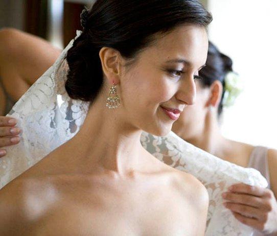 Bride black hair.jpg