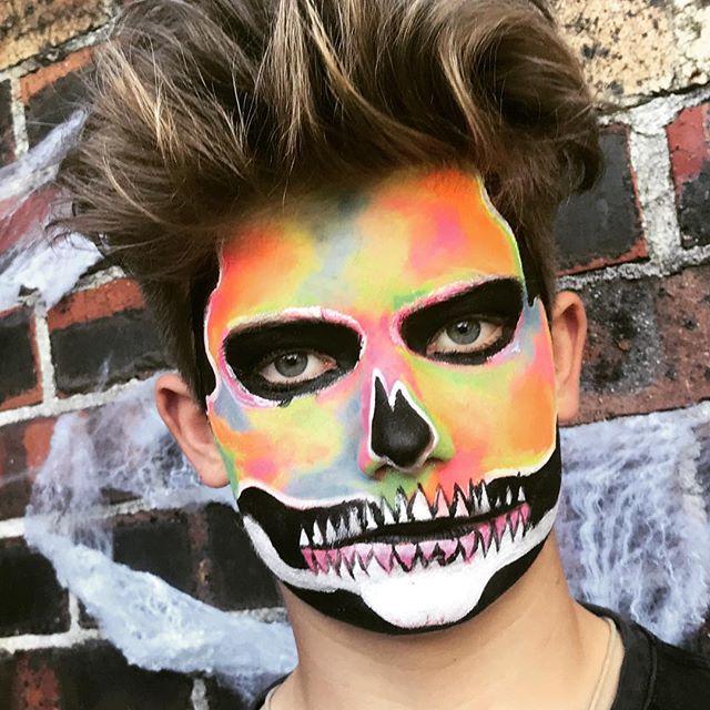 Rocking halloween. #halloweenmakeup #halloween2017