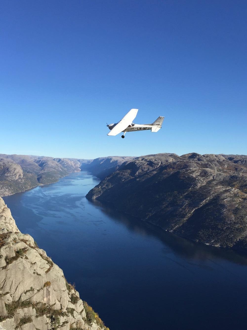Preikestolen - Airplane.jpg