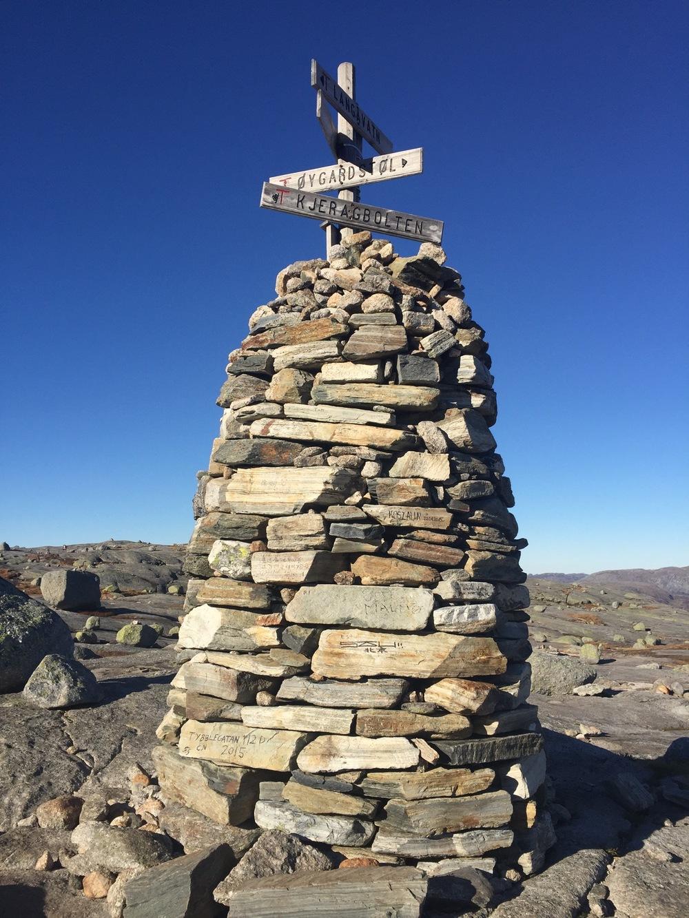 Kjeragbolten - Summit Crossroads.jpg