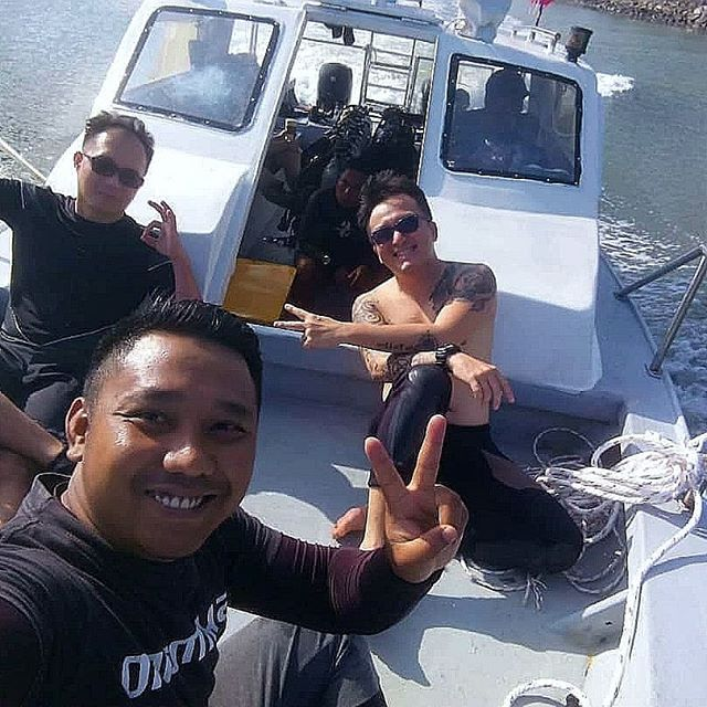 Great diving today! With fantastic divers all the way from China, Germany, Norway and Brunei  Excellent visibility, beautiful reefs and vibrant underwater life!  Dive Site Today: Batu Balais, Nemo City & Sunday Reef  We offer daily dive trip. Contact us and book your dive! Slots are limited!
