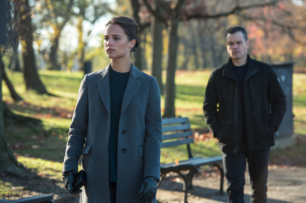 Alicia Vikander attempts to bring Matt Damon in from the cold in  Jason Bourne  (2016).