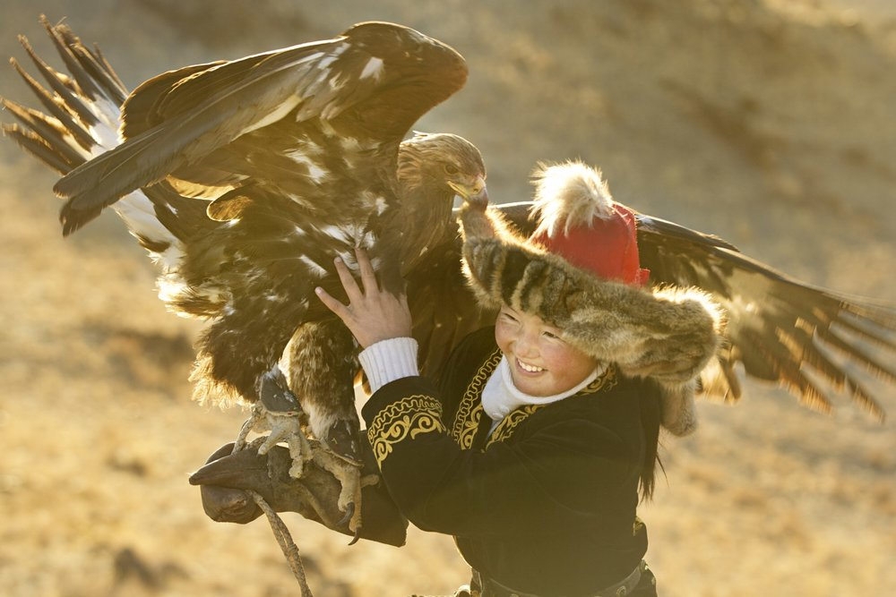 LIZ & JEREMY'S BEST DOCUMENTARIES OF 2016: The Eagle Huntress (Monoglia/UK/USA – dir. Otto Bell)