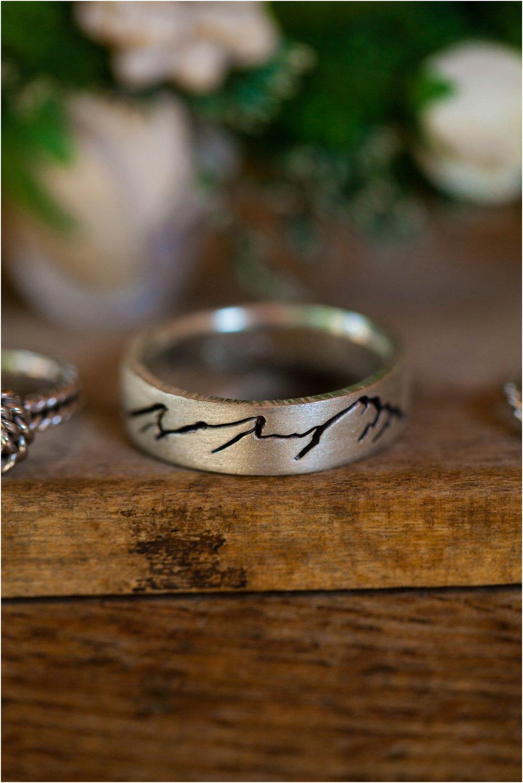 Southern-Illinois-Bohemian-Holy-Boulders-Autumn-Wedding_0887.jpg