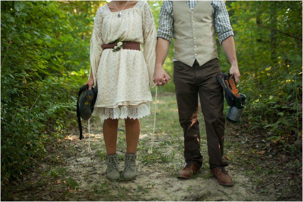 Southern-Illinois-Bohemian-Holy-Boulders-Autumn-Wedding_0988.jpg