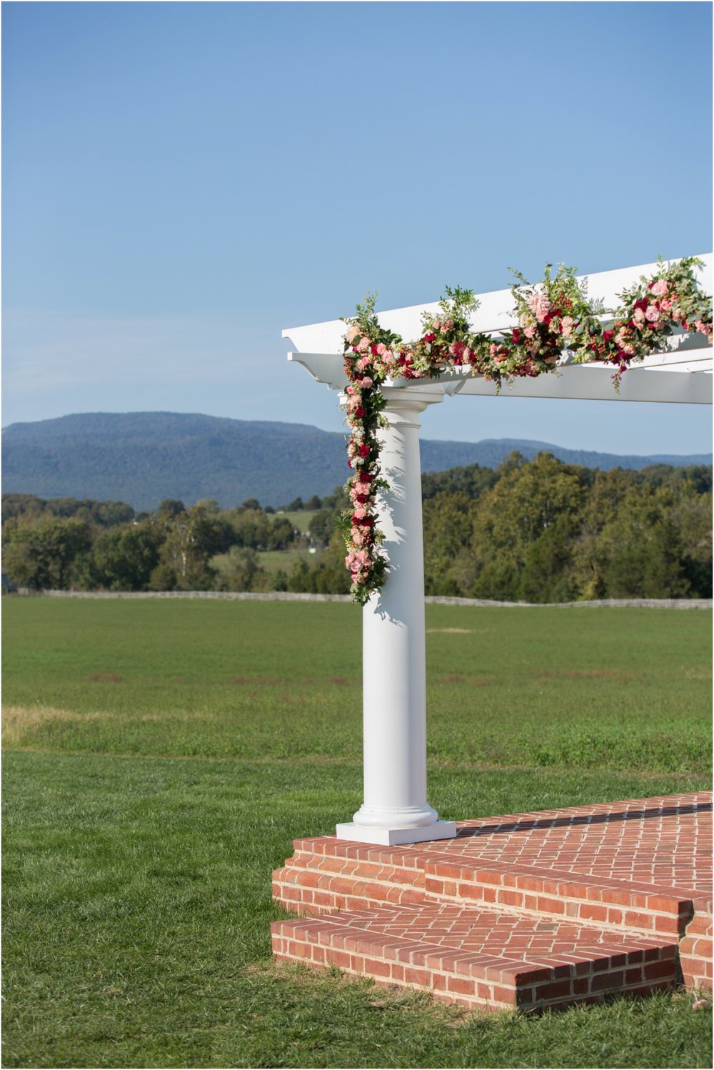 Columns-at-Six-Penny-Farm-Virginia-Fall-Wedding-7179.jpg