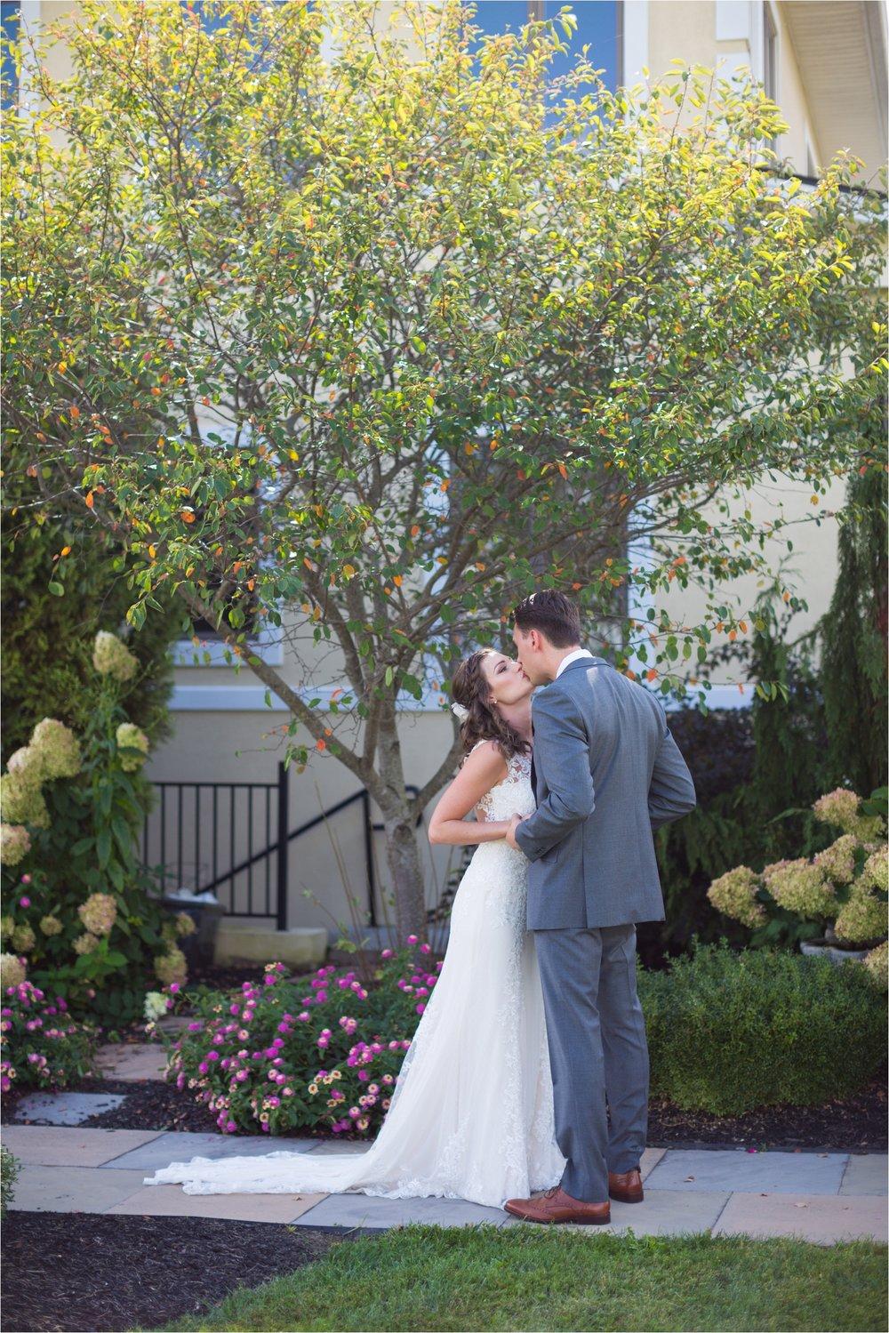 Feather-and-Oak-Photography-Cross-Keys-Vineyard-Wedding-2689.jpg