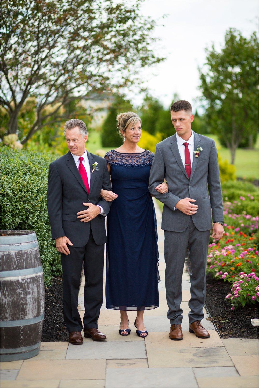 Feather-and-Oak-Photography-Cross-Keys-Vineyard-Wedding-0804.jpg