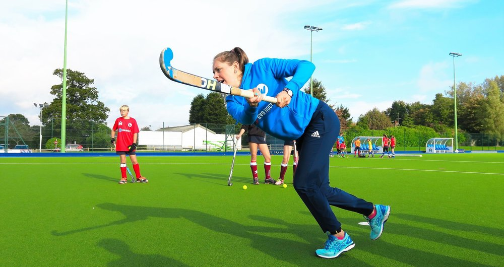 Giselle Ansley (Great Britain, Rio 2016 Olympic gold medallist) demonstrates drag flicking at an EVO Hockey event