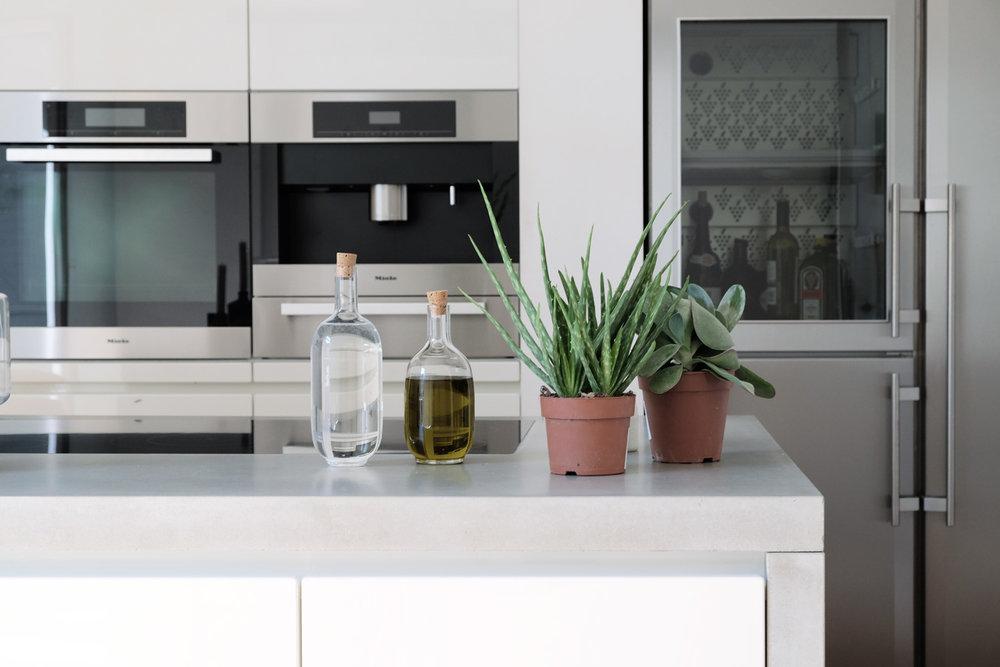 Clean concrete - Die großzügige Wohnküche