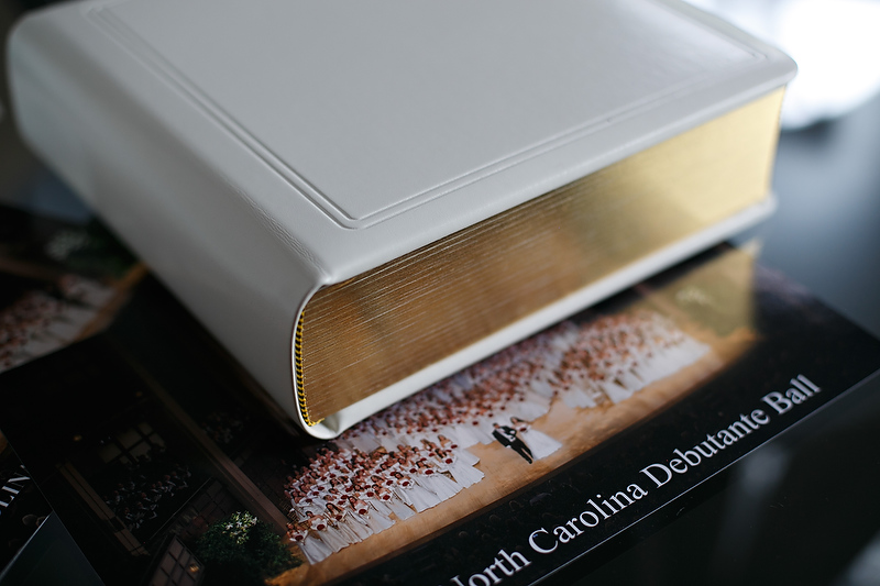Keepsake Collection $695 5x7 Leather Album: - Includes 24 matted prints of your choice - Personalized stationery page -Three 5x7 gift prints (loose prints) - 40% Discount on additional á la carte items