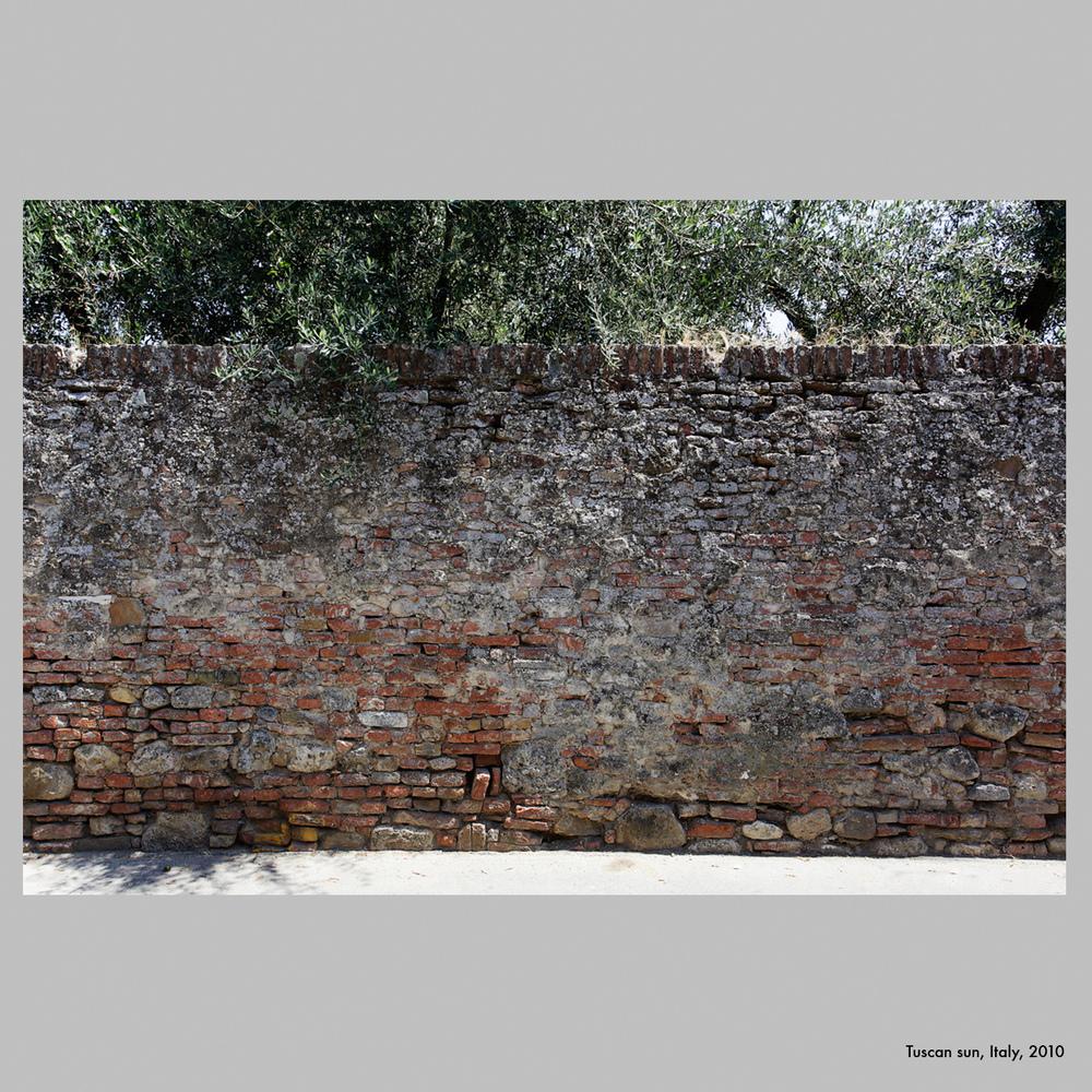 Wall, Italy, 2010.jpg