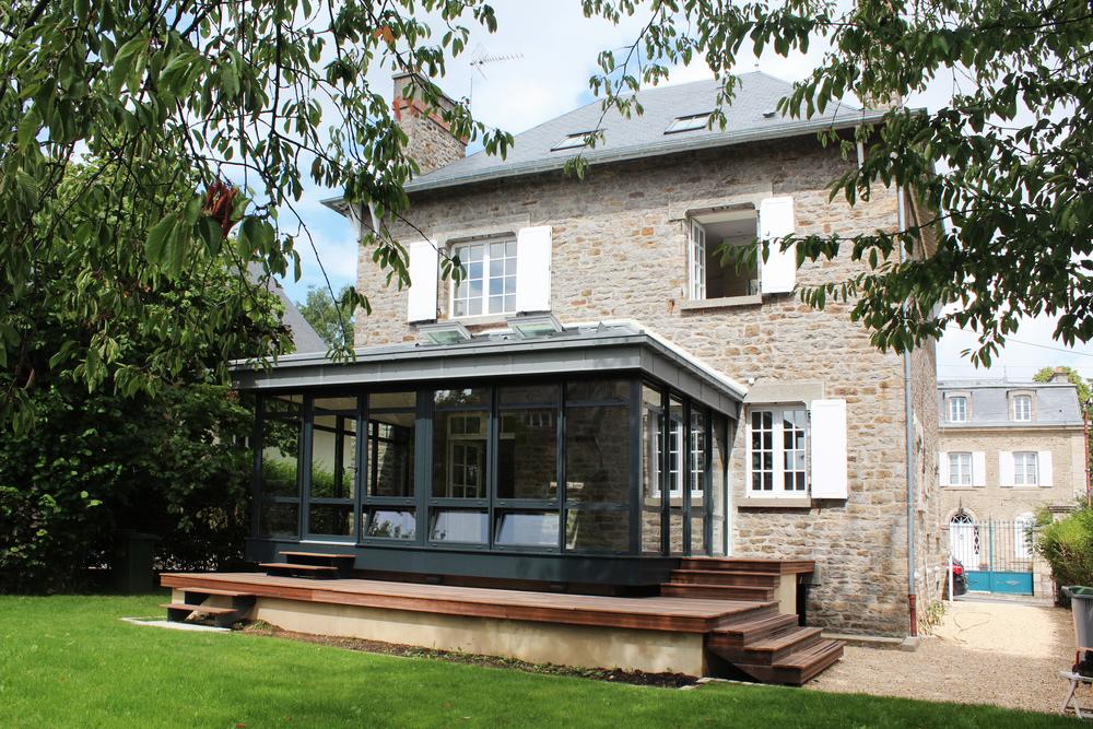 DINAN - Une maison de charme rue Beaumanoir  - SURFACE: 180 m2 -Maître d'ouvrage: Particulier