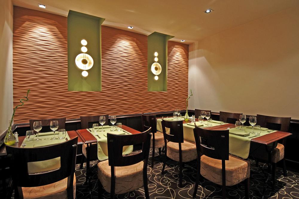 DINAN - Ambiance chaleureuse et contemporaine dans un restaurant  - SURFACE: 115 m2 -Maître d'ouvrage: Professionnel