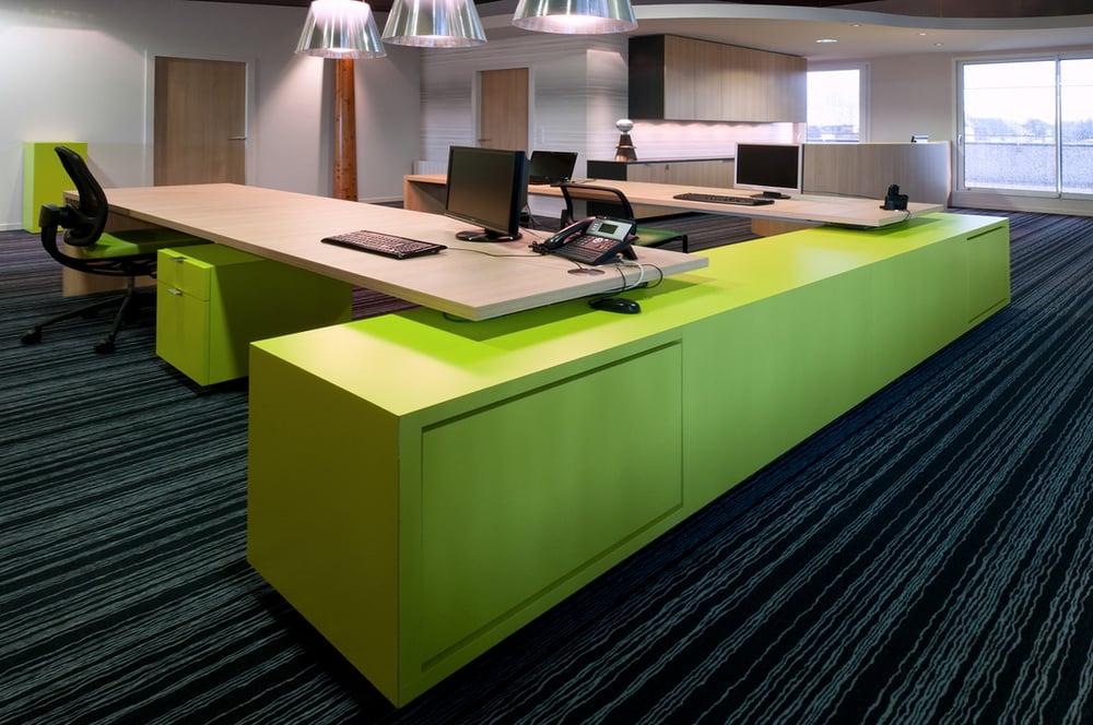 DINAN - Des bureaux hauts en couleur  - SURFACE: 160 m2 -Maître d'ouvrage: Professionnel